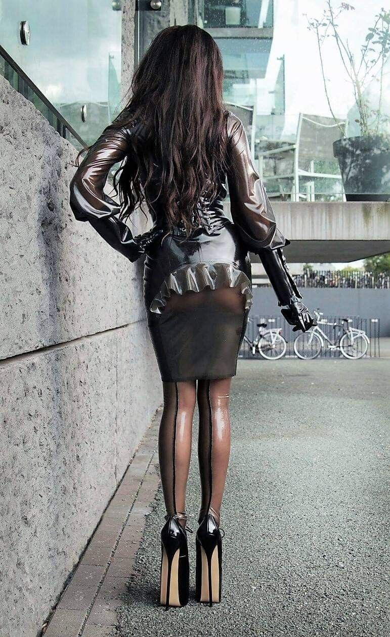 Klett latex style, masterbaing without dildo