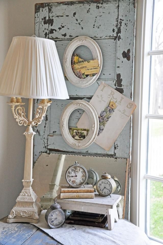 shabby chic wand deko altes fensterladen ovale bilderrahmen uhren mein kleines haus. Black Bedroom Furniture Sets. Home Design Ideas