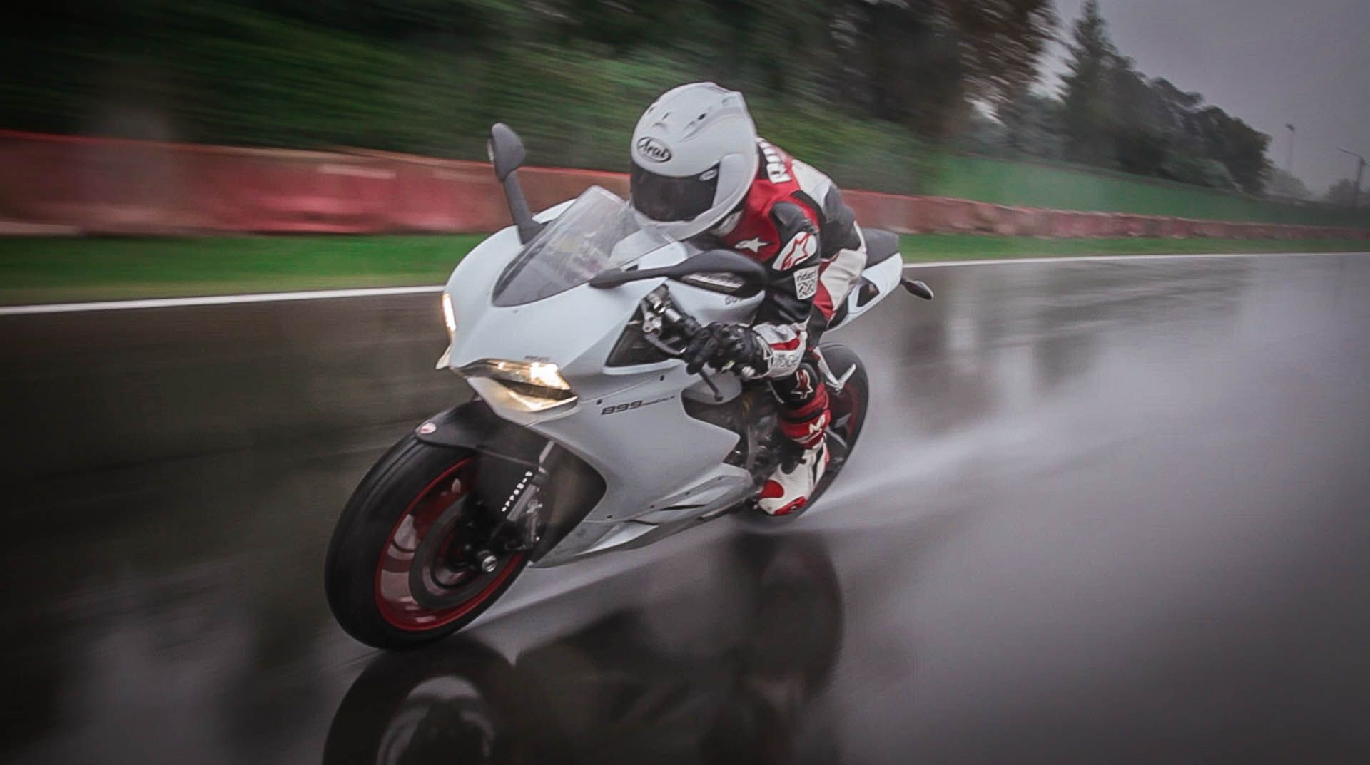 In The Rain With A 899 Panigale Panigale Ducati Hd Images