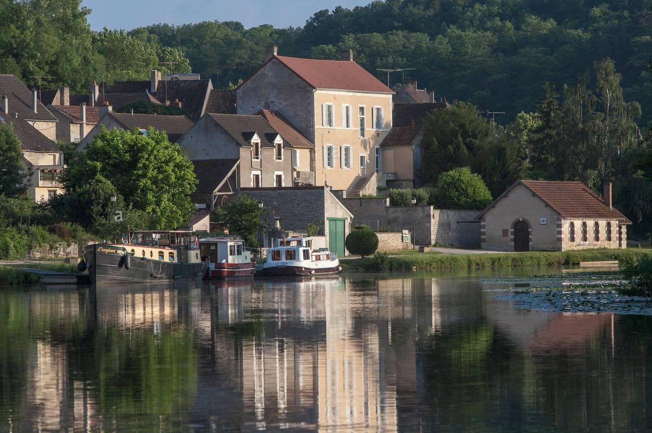 MaillylaVille, Rio Yonne, Canal do Nivernais,