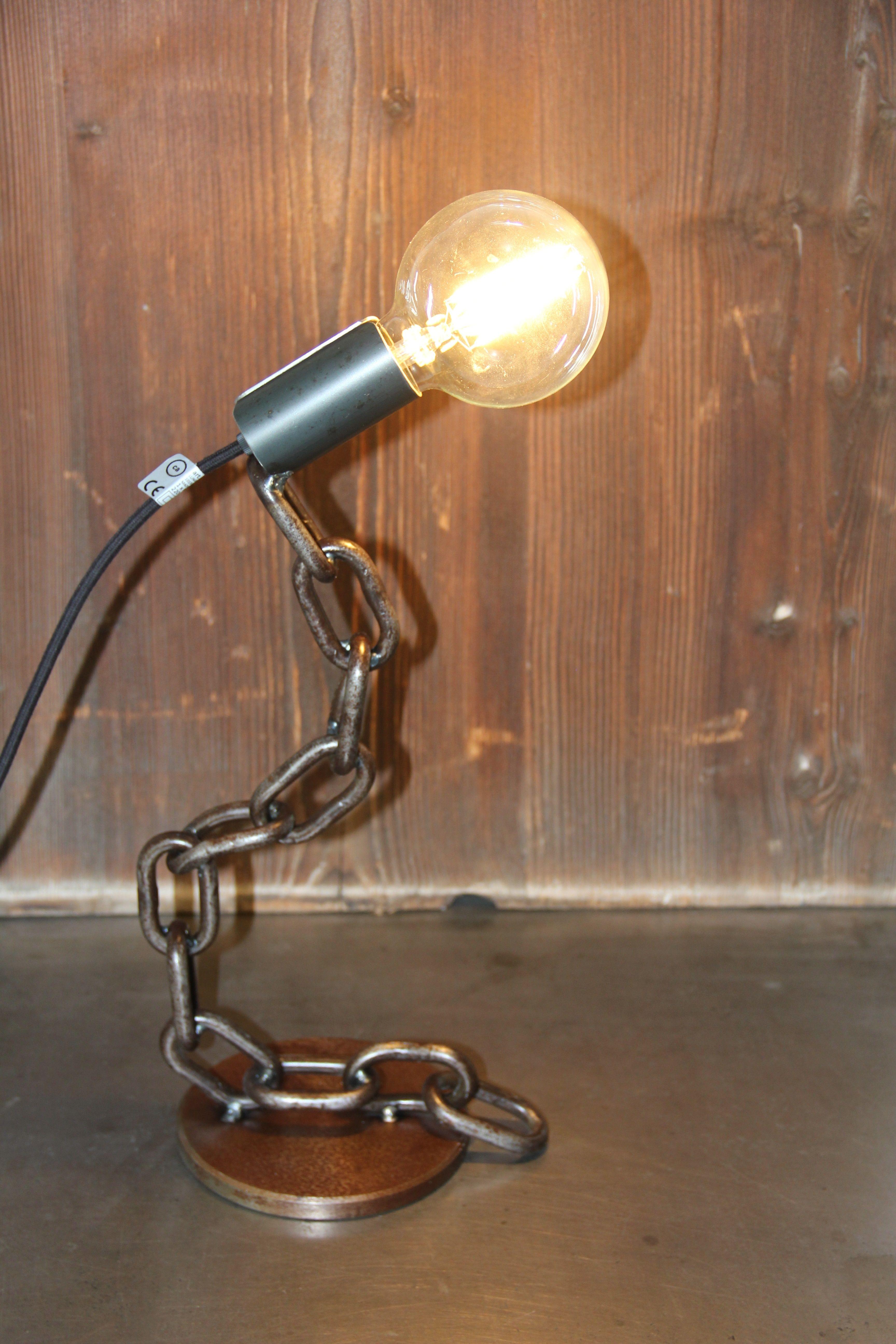Meine Lampen Werden Ausschliesslich Aus Schrott Gebaut Diese Lampe Verfugt Uber Ein Einhangesystem Fur Das Kabel Mit Fassung Es Konnen Als Lampe Lampen Schrott