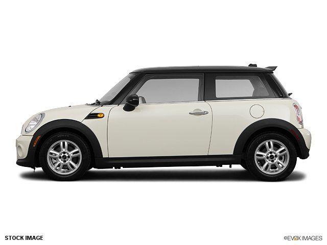 Looks Like My Mini Love Love Love It Mini Cooper Hardtop Mini Cooper 2011 Mini Cooper