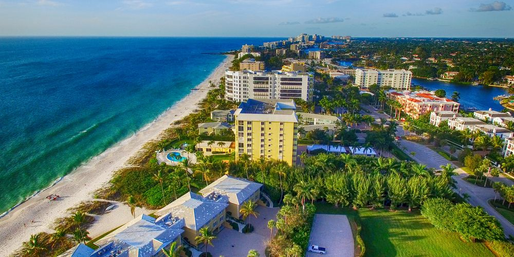 16 Best Restaurants In Naples Florida You Must Try Florida Trippers Beach Town Best Places To Live Florida