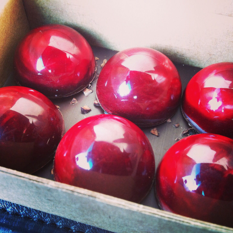 """The whole cherry"", beta5 chocolate"