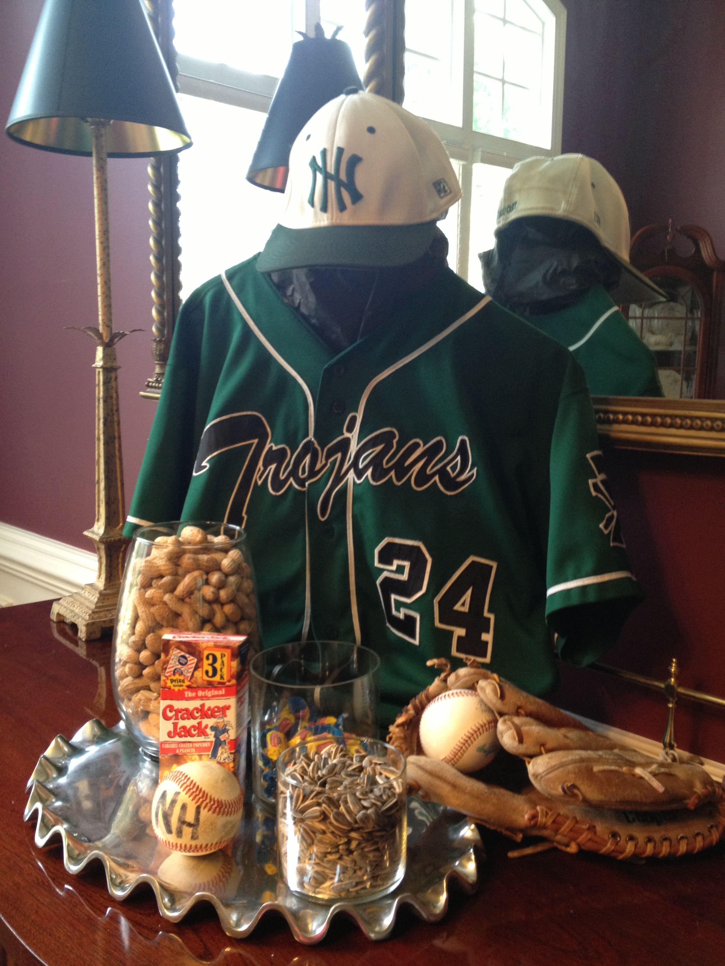 Baseball centerpiece | High School graduation party ideas ...