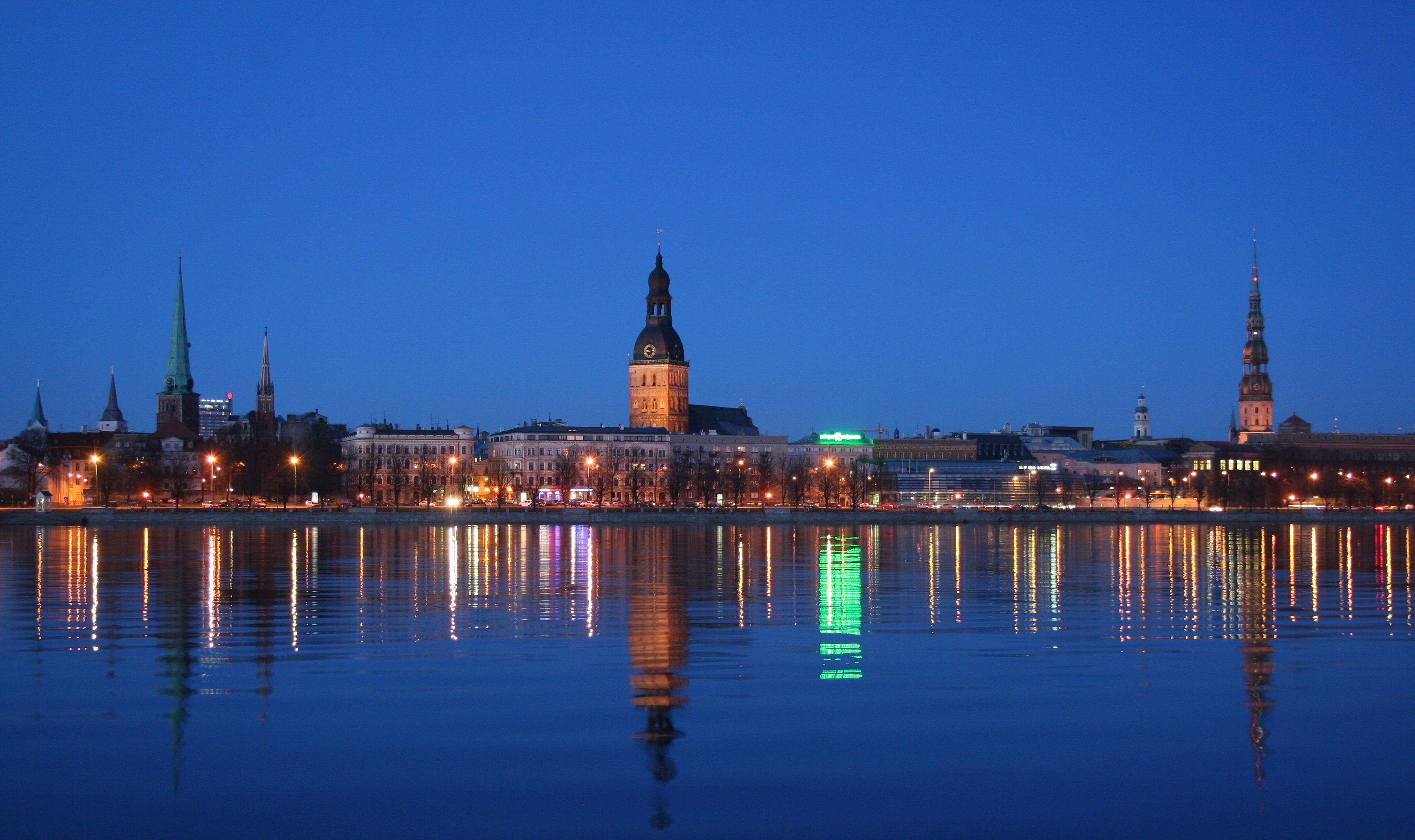 Rigas Panorama Labota Riga No Hay Dia En El Que No Quiera Volver Panorama Riga Canal