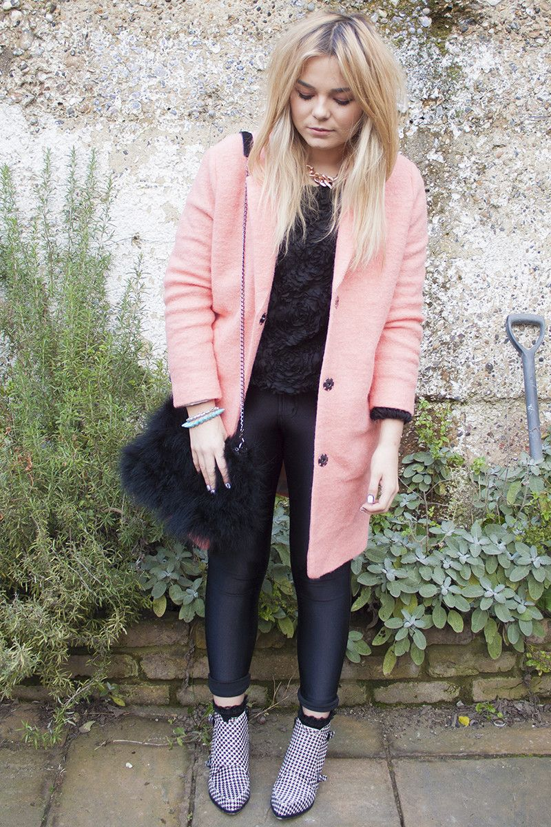 a pink coat (Lily Melrose)   Coats, Fashion bloggers and Jumpers