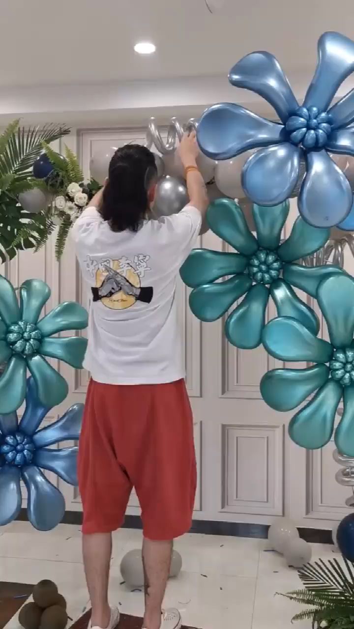 This folk balloon master is so amazing~