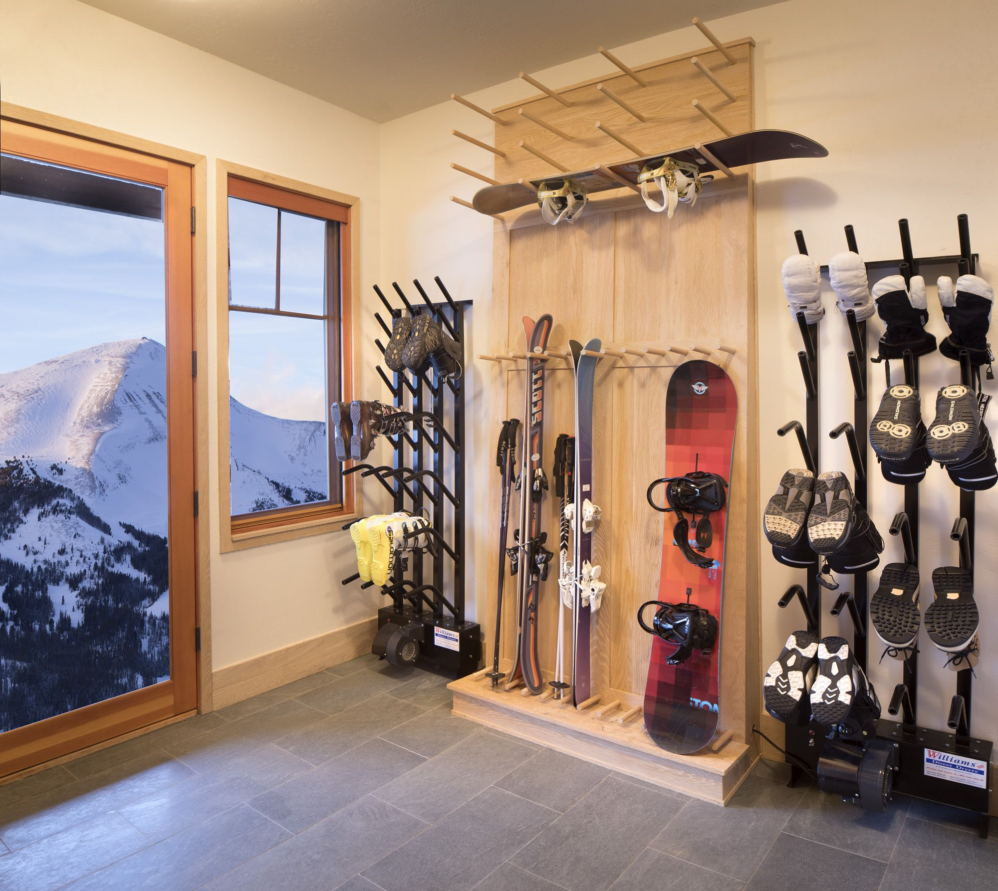 Christmas Mountain Skiing 2020 Ski Boot & Glove Dryers in 2020 | Mountain interiors, Snowboard