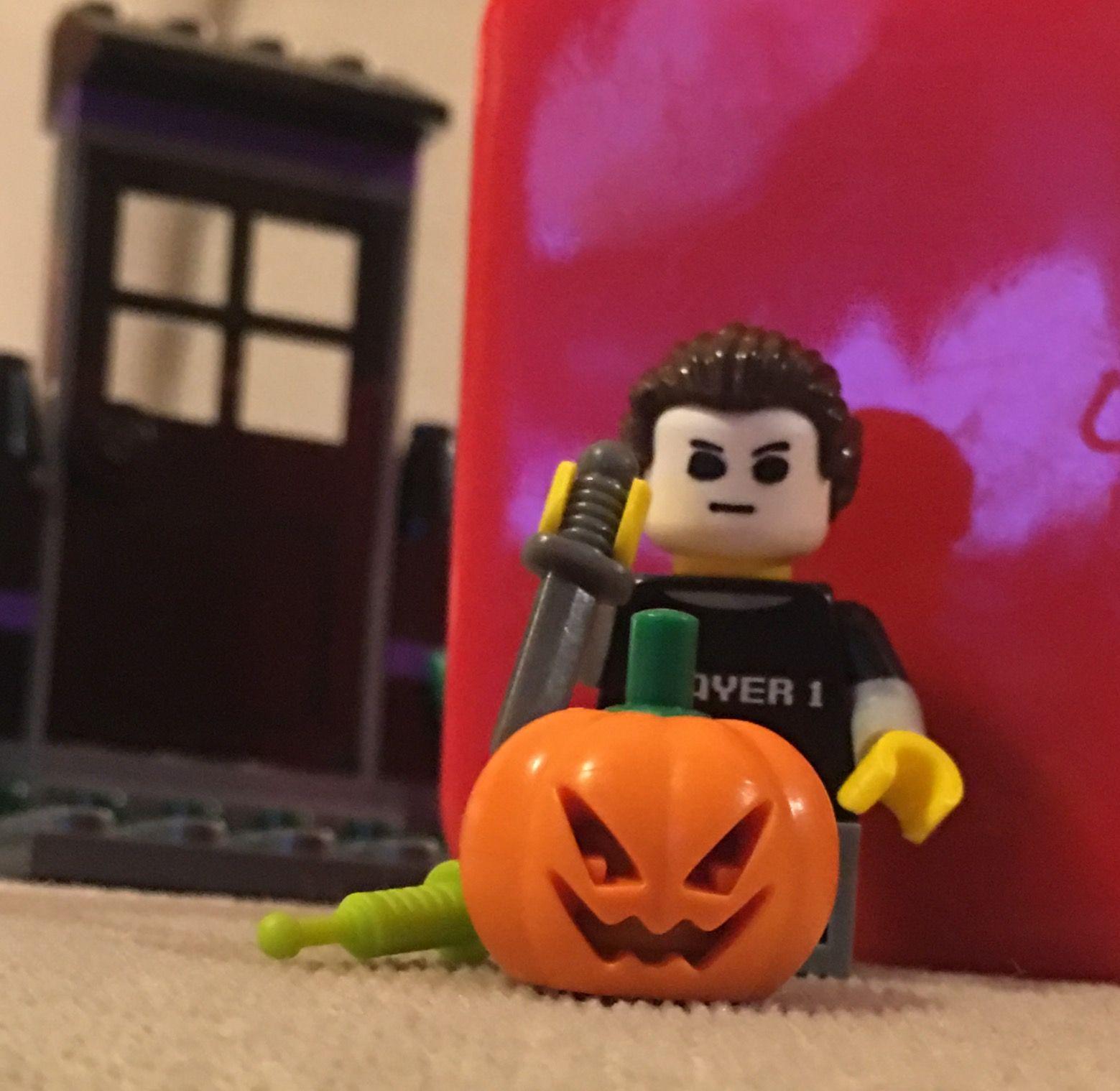 Pin by Valerie on Halloween Michael myers halloween