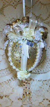 Victoria Victorian Ornament