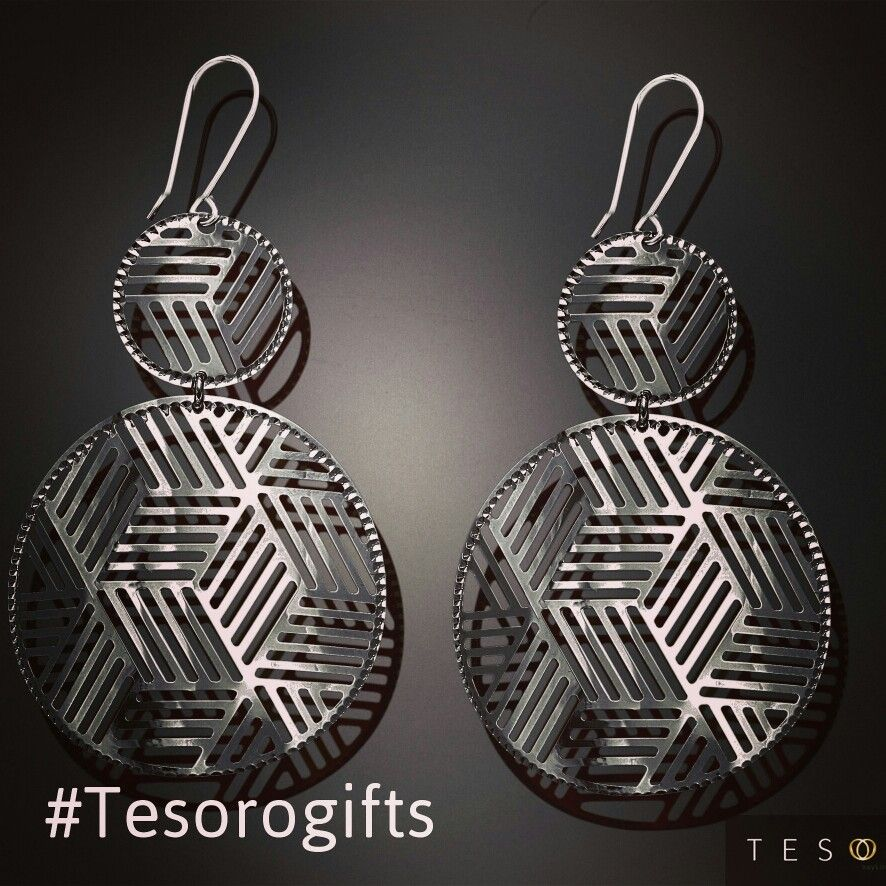 Behind every jewellery gift is passion, sentiment and feeling. .. These Black coated silver earrings are the perfect gifts under $100.00  #Tesorogifts