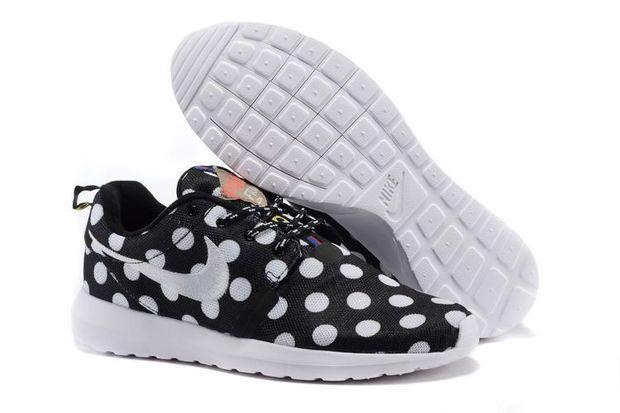 8585d499471fc Nike Roshe Run NM City QS (New York City Pack Polka Dot Black ...