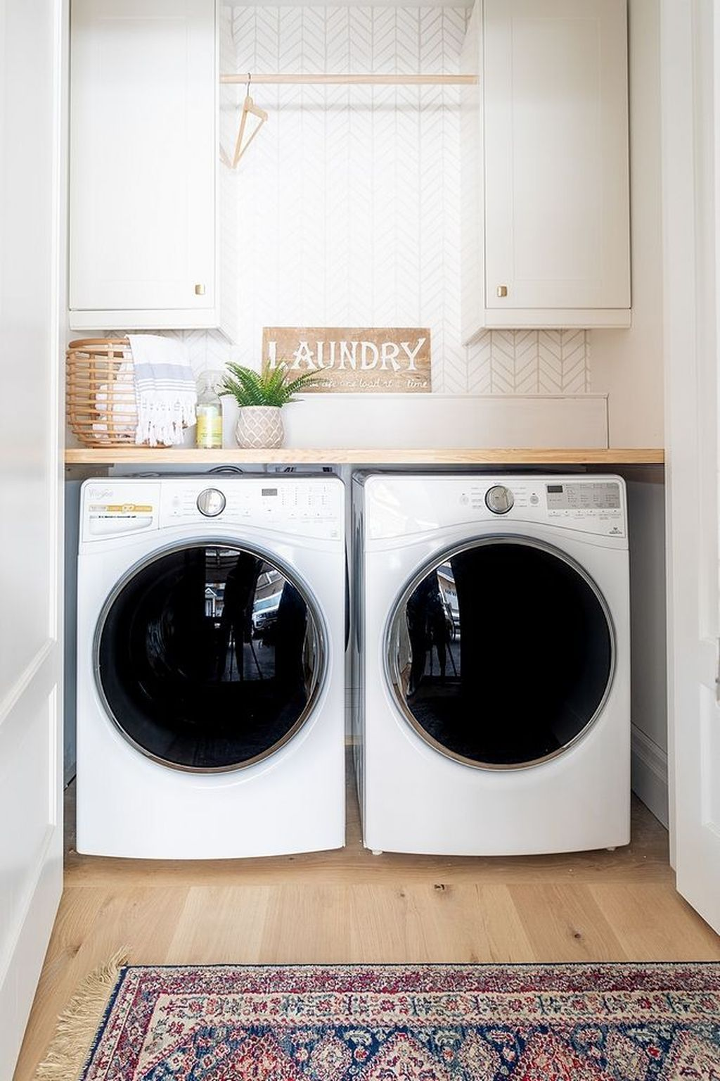 34 Inspiring Small Laundry Room Design And Decor Ideas Laundry In Bathroom Laundry Room Renovation Laundry Room