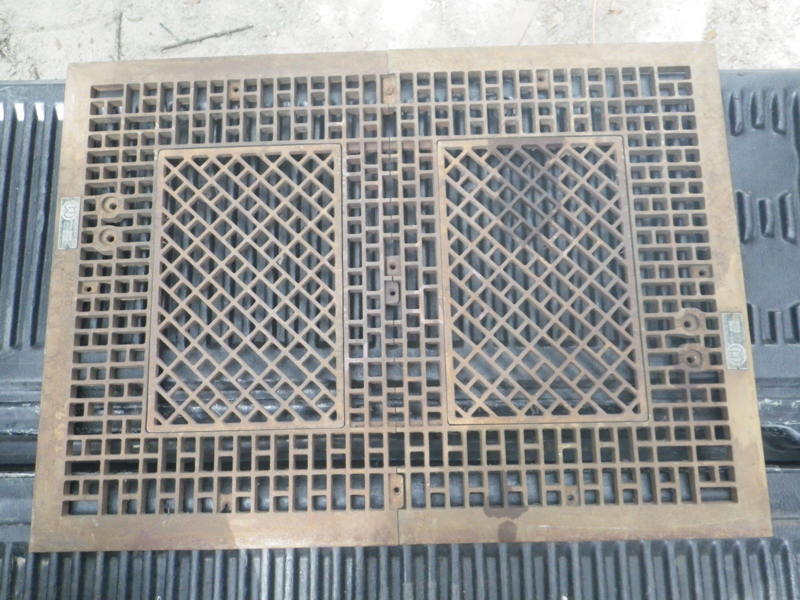 Antique Vintage Ward Cast Iron Floor Furnace Grate 38 3 4 X 28 3 8 Ebay Floor Furnace Furnace Antiques