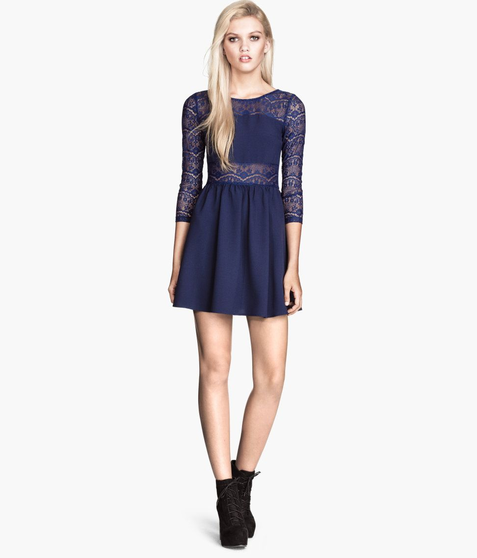 Short dark blue dress in with flirty lace sections.│Party in H&M ...