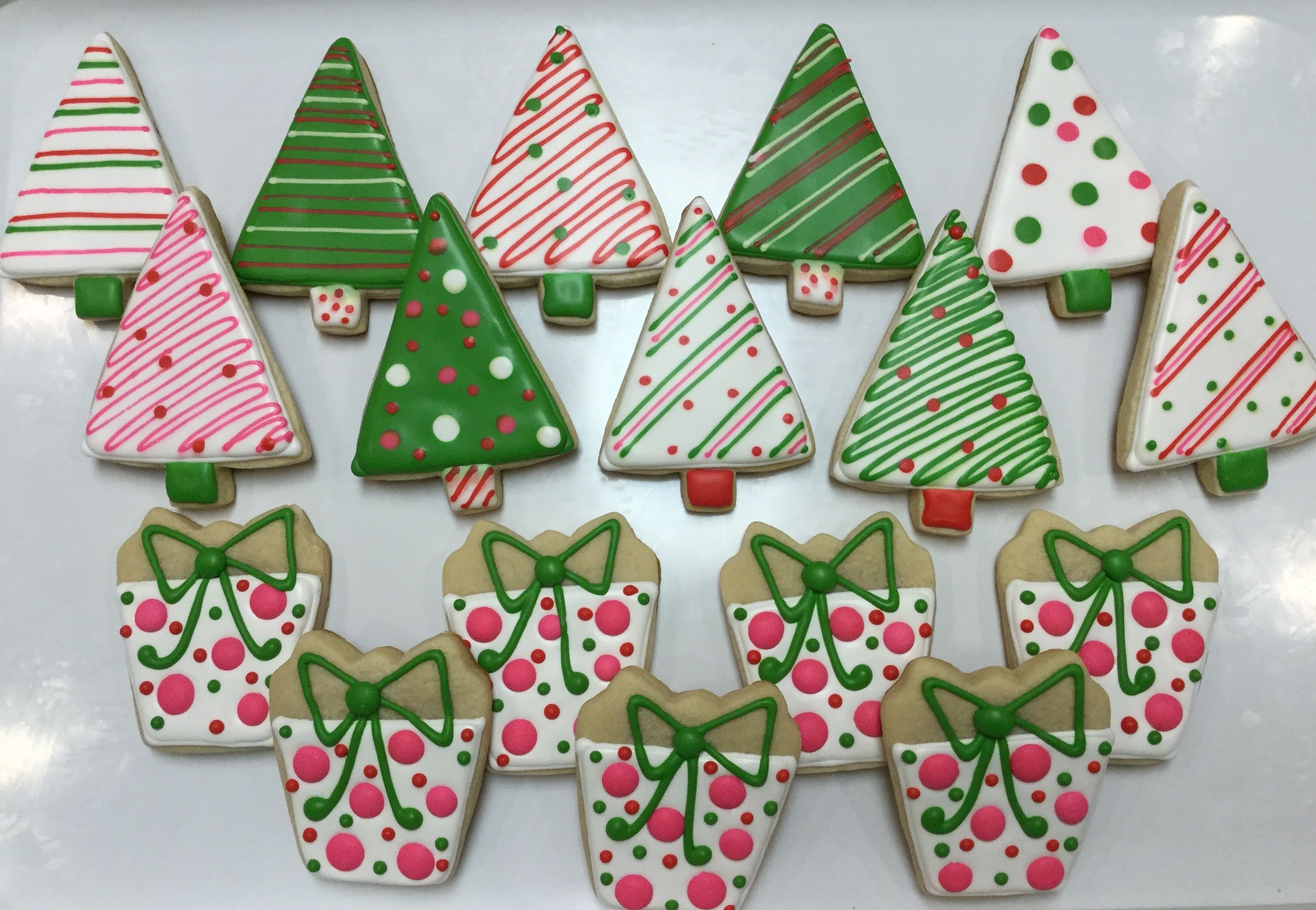 Christmas Trees And Presents Decorated Sugar Cookies By I Am The