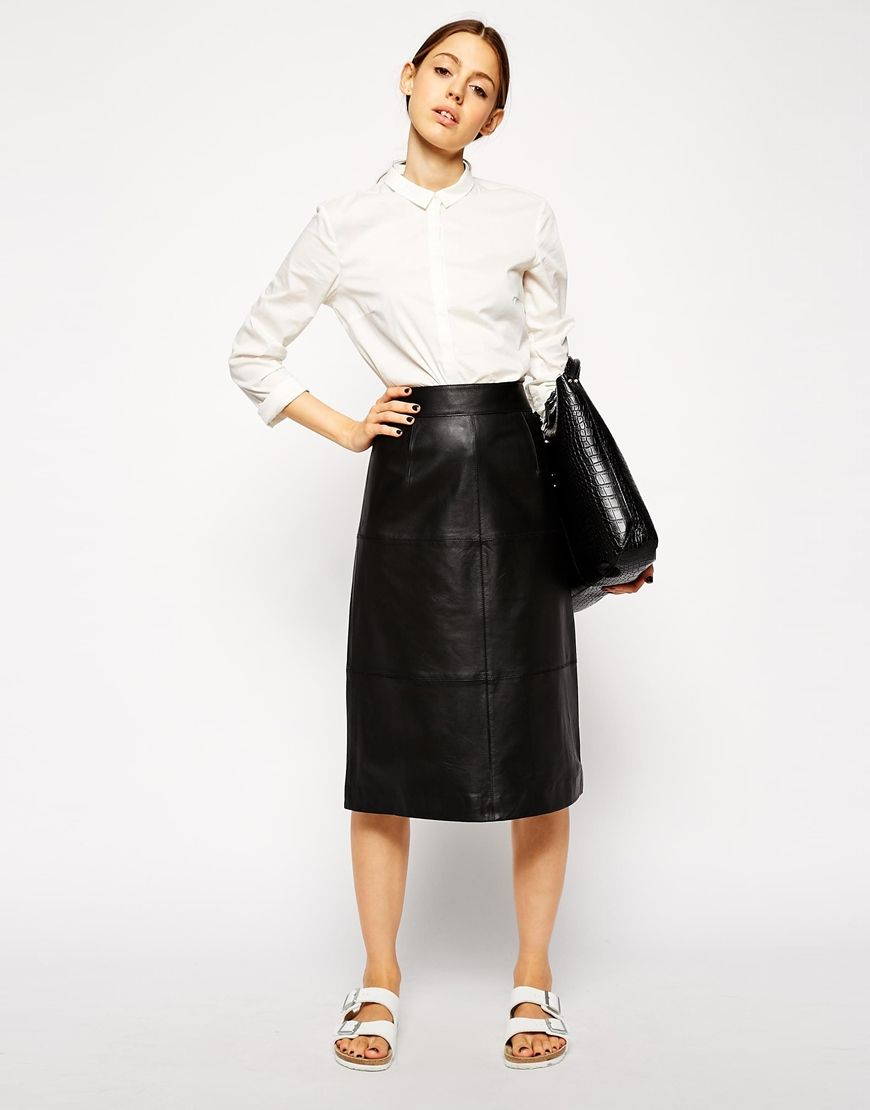 This is my top pick for today. Leather skirts should be a staple in every girl's wardrobe – they can be dressed in any way! http://asos.do/Yl0Gzg