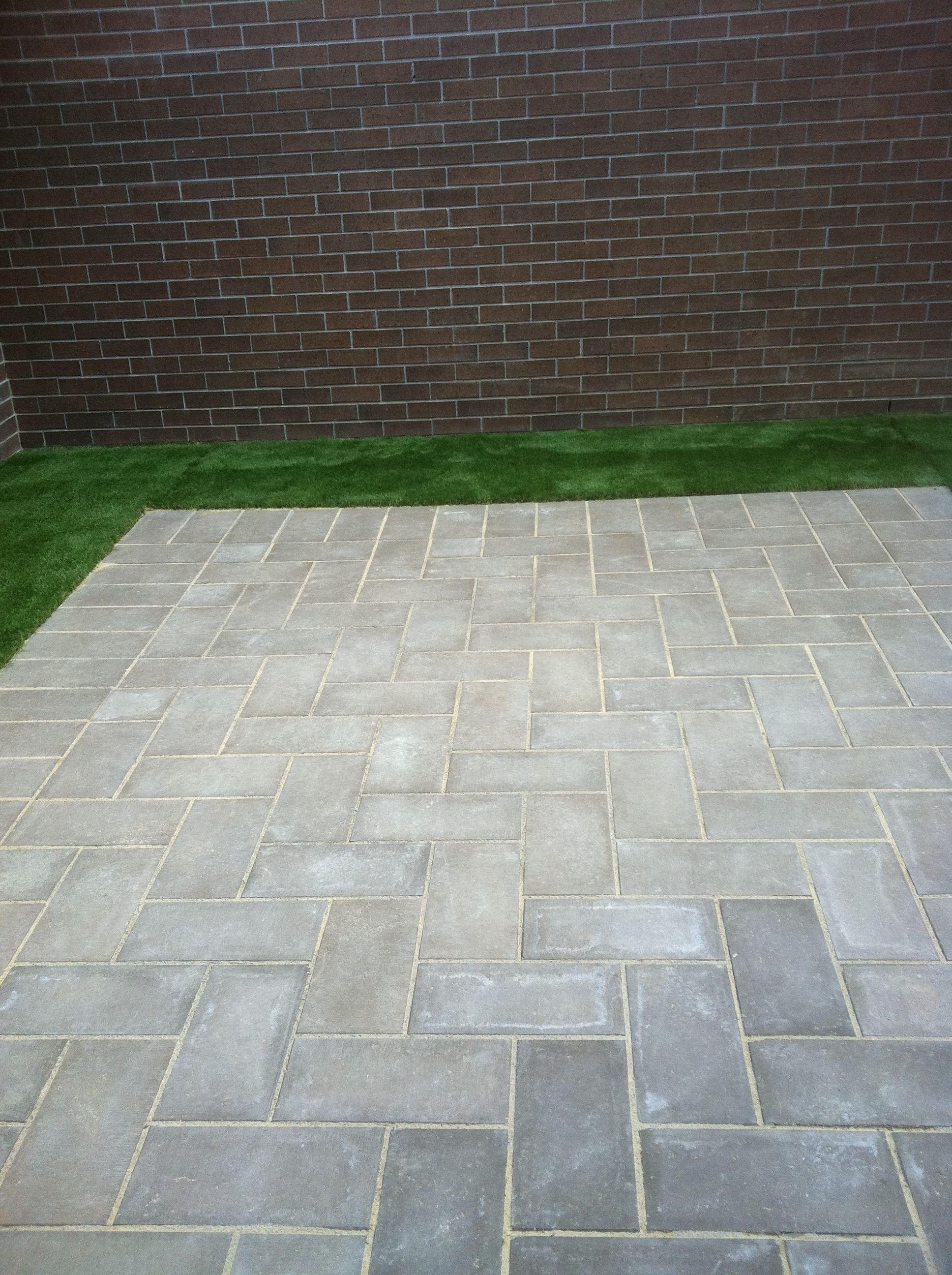 Paving courtyard synthetic turf for Paving ideas for small courtyards