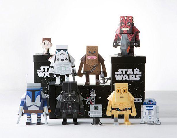 Personajes de Star Wars hechos de papel