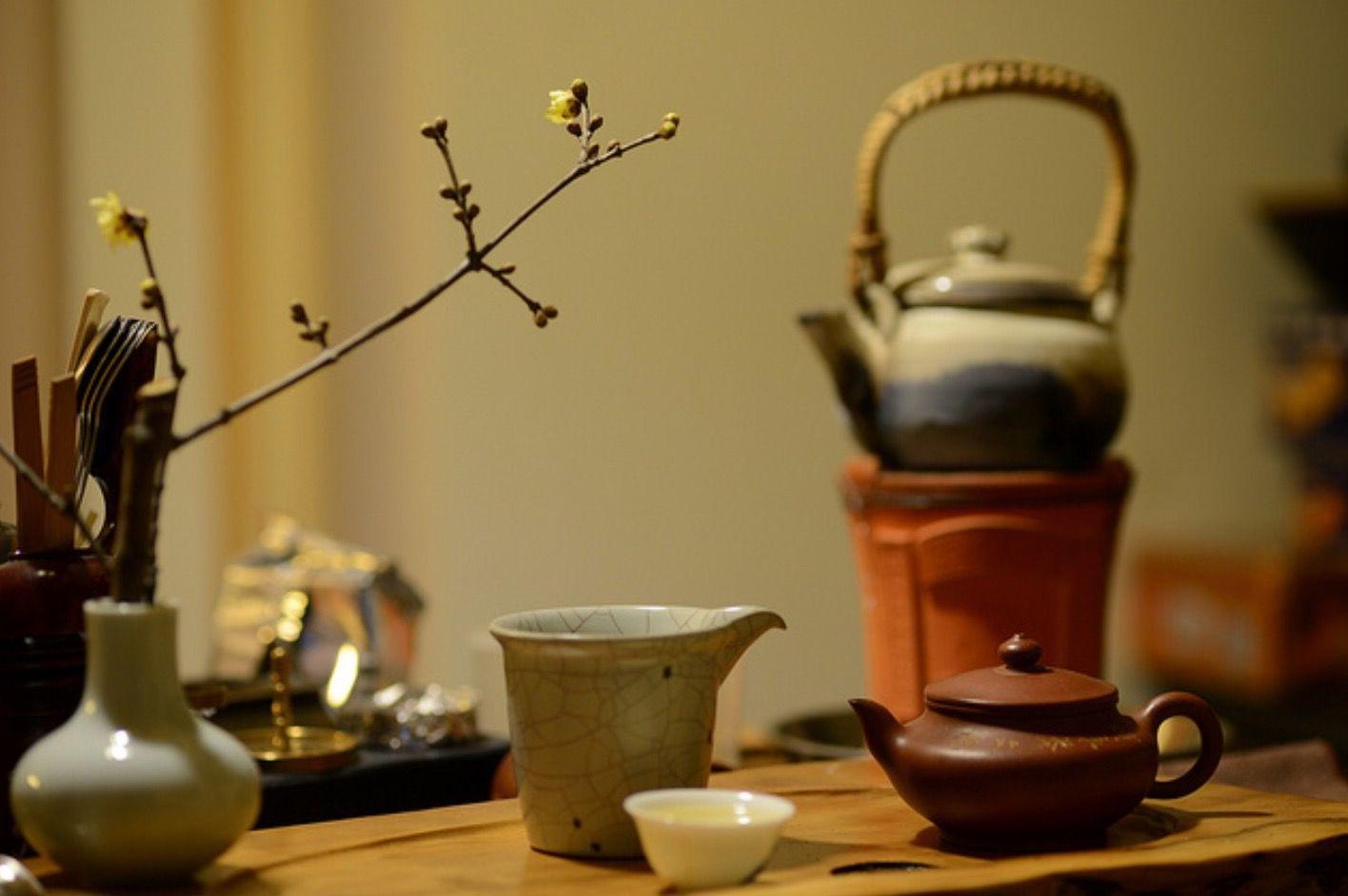 一盏茶,浮生何时了。品茶,品人生之五味,品生命之甘醇。一柱香,一杯茶,就是一生的缘。