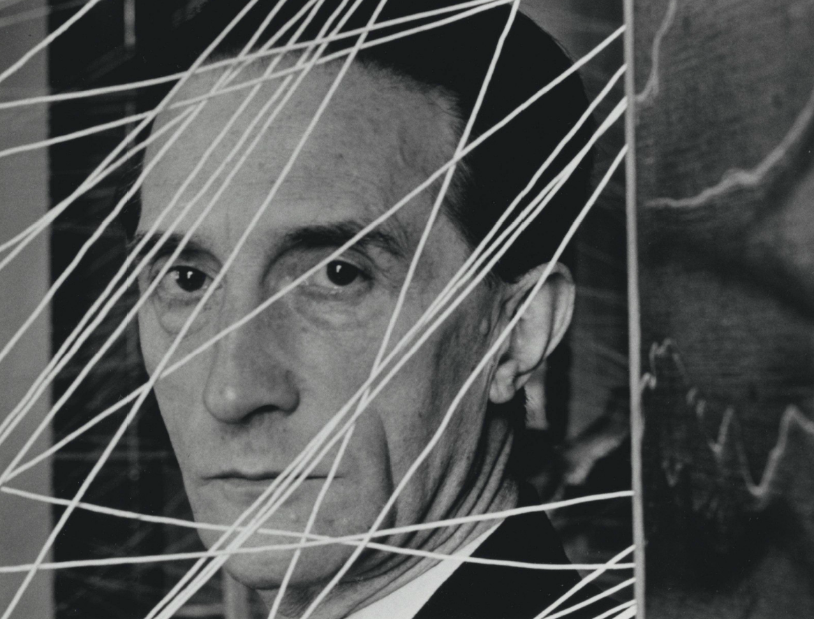 Live, dream and think like Duchamp with his manual for living