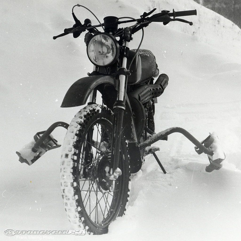 Snowmobile - Husqvarna Military