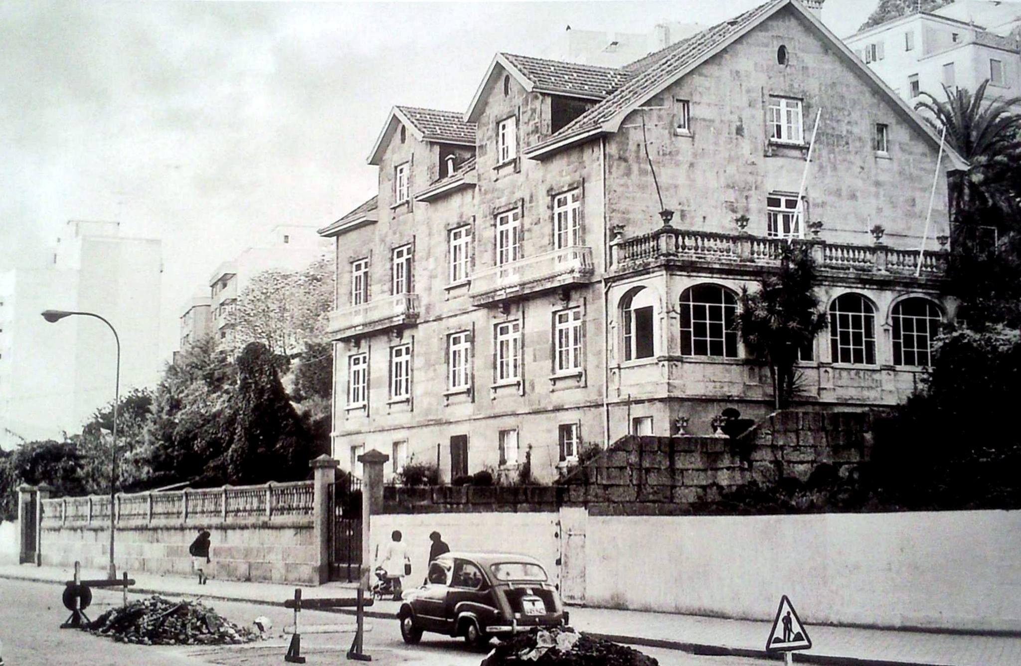 Colexio alem n na r a de torrecedeira vigo en branco e negro pinterest - Hotel puerta del sol vigo ...
