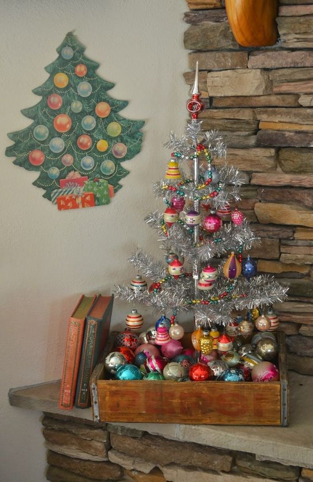 37 totally beautiful vintage christmas tree decoration ideas 31