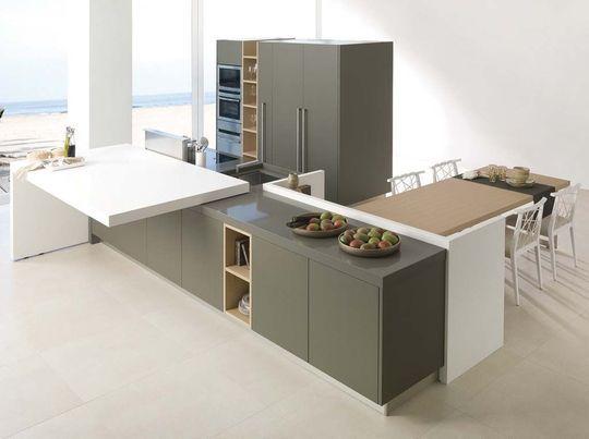 Une cuisine ouverte discrète qui se cache - plan de travail de cuisine