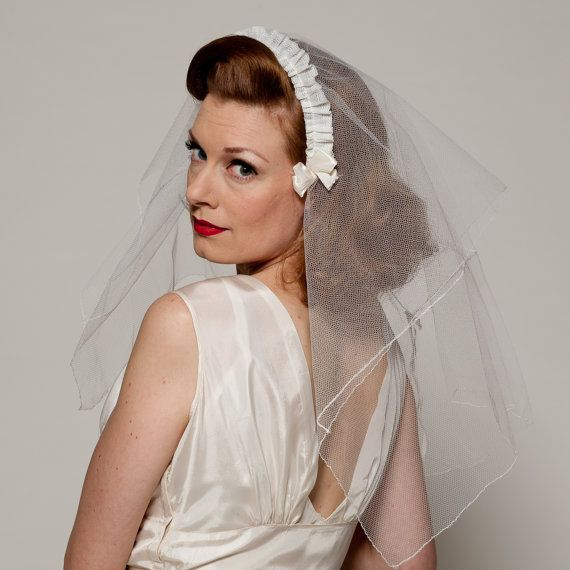 50s 60s White Wedding Veil Vintage Wedding Veil 1950s 1960s Blusher White Headband Etsy Wedding Veil Vintage Vintage Bride Bridal Headwear