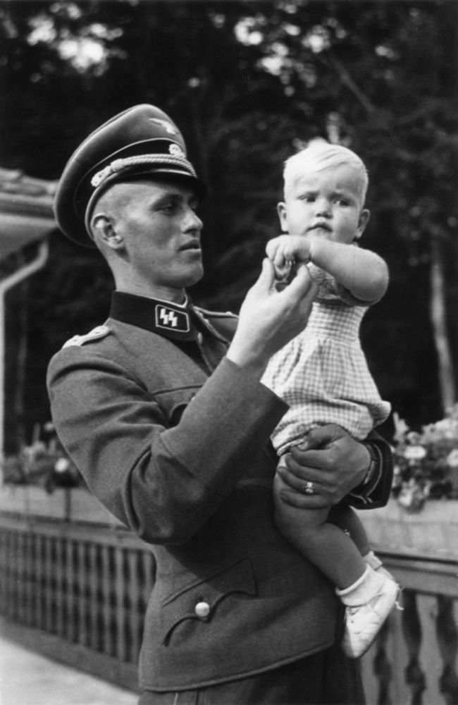 SS-Obersturmführer Hans-Jörg Hartmann photographed with his daughter in 1941. Hartmann served as company commander in Regiment Nordland of the Wiking Division during Operation Barbarossa until he fell in November 1941.