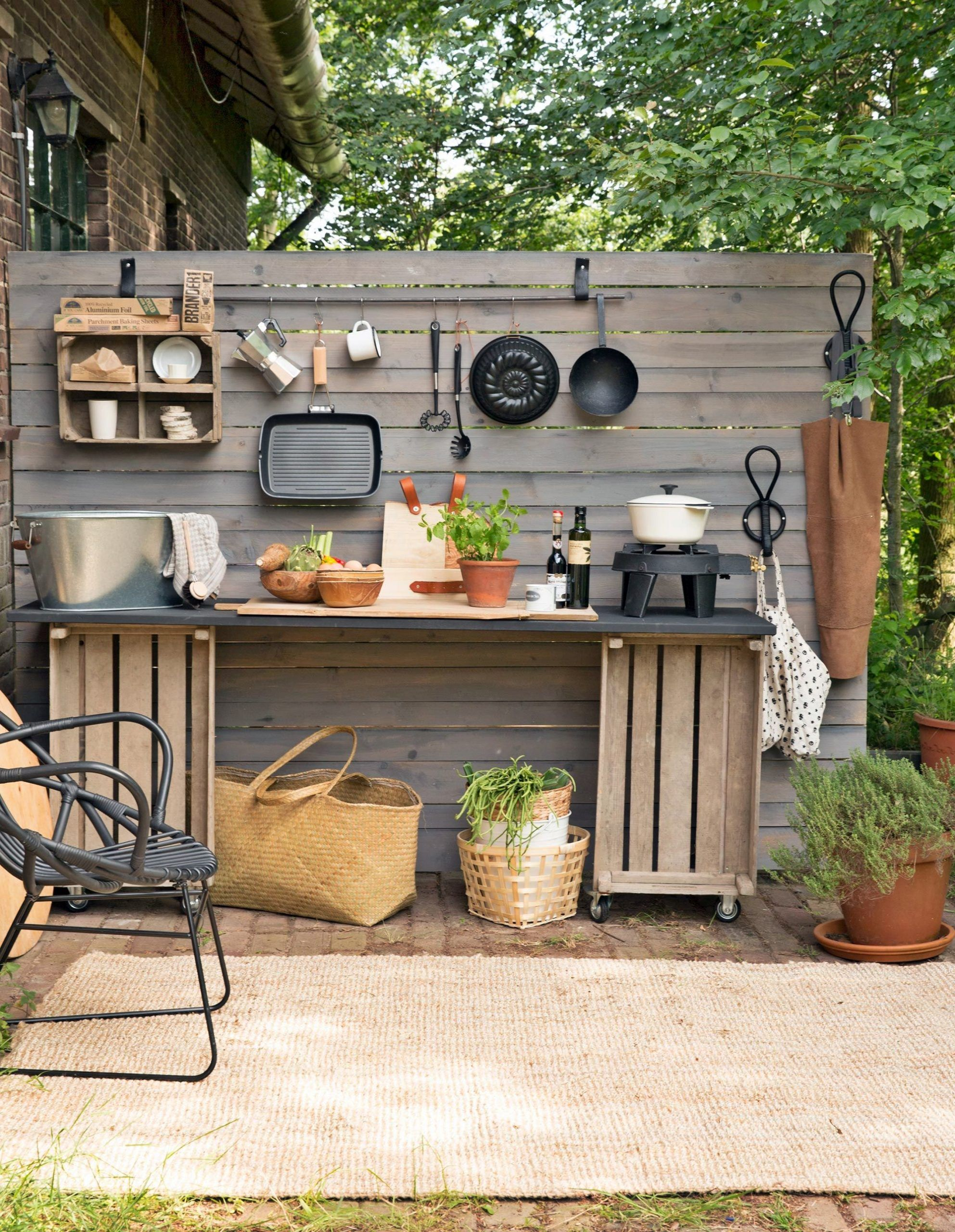 20 Simple Spring Outdoor Kitchen Organization Hacks That Are Popular Nowaday Small Outdoor Kitchens Simple Outdoor Kitchen Diy Outdoor Kitchen