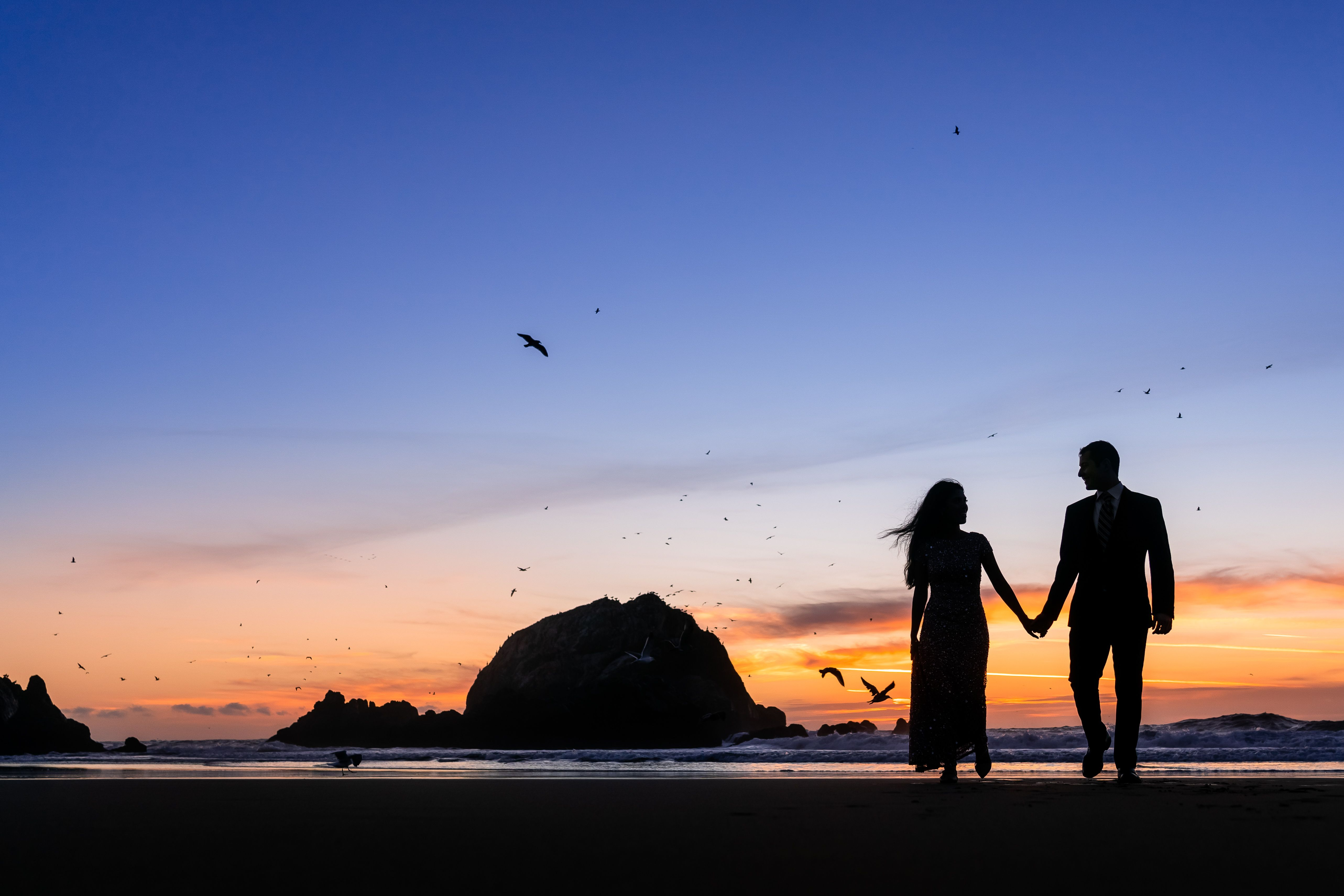 Silhouette Engagement Photo Idea Couples Walking Couple Beach Photos Beach Couple walk in beach love wallpapers hd