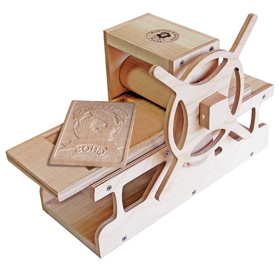 Diy weewoodie rembrandt press do it yourself wood replica of the diy weewoodie rembrandt press do it yourself wood replica of the old masters solutioingenieria Choice Image