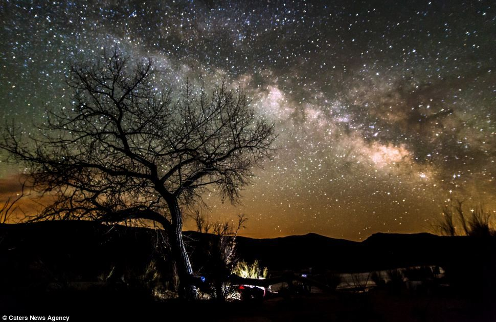 The lone park ranger shoots the beauty of the night sky in