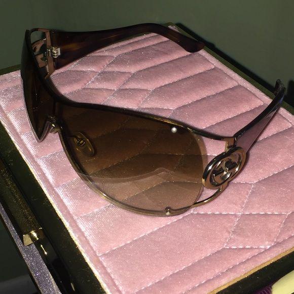 635a9b5de8c12 100% Gucci women s 2807 S Wrap sunglasses Gold brown frame