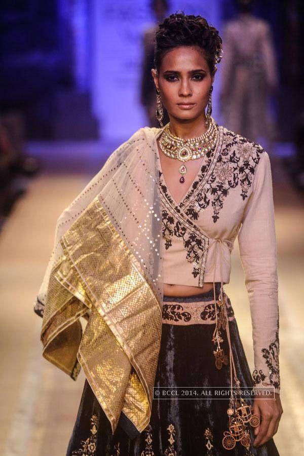 Anju Modi Traditional Indian Dress Indian Fashion Fashion