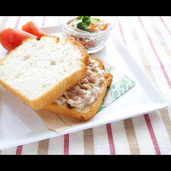クミタス レシピ 米粉パンでツナのサンドイッチ