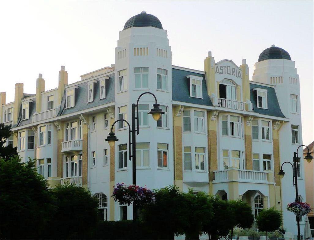 Astoria hotel belle epoque architecture picturesque sea for Belle architecture villa