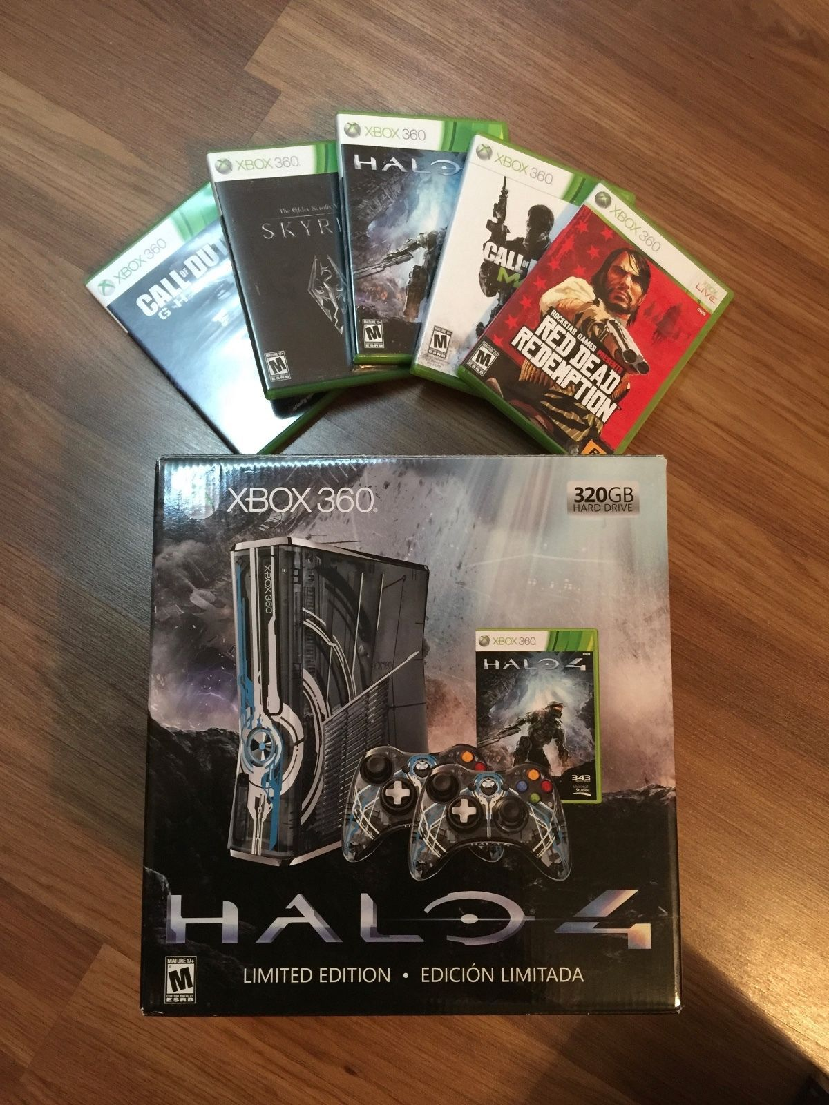 Microsoft Xbox 360 S Halo 4 Limited Edition 320 GB Console Skyrim COD Ghosts https://t.co/qEo1pH91Fy https://t.co/mRG8zyoHJa
