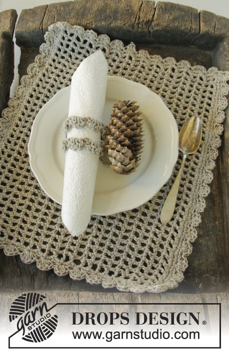 This season you can entertain in style with this #crochet placemat ...