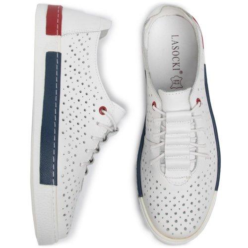 ccc.eu in 2020   White sneaker