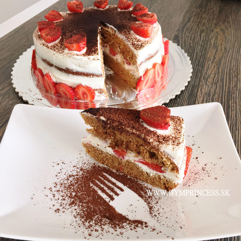 Zdravá tvarohovo jahodová tiramisu torta GymPrincess