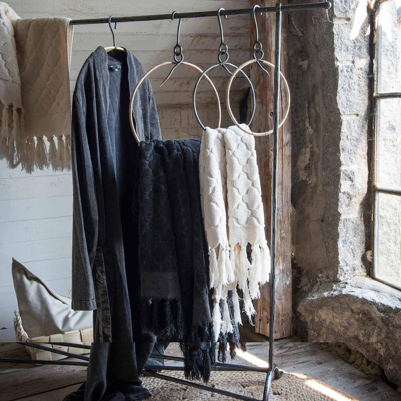 Rustik klädhängare och handdukshängare Stadig hängare för