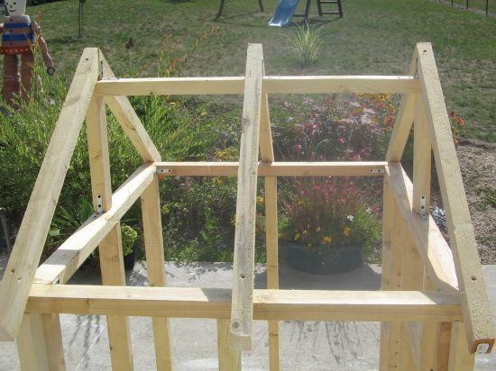 Construction d 39 une maisonnette ossature bois et brande de bruy res menuiserie r alisations - Construire maisonnette en bois ...