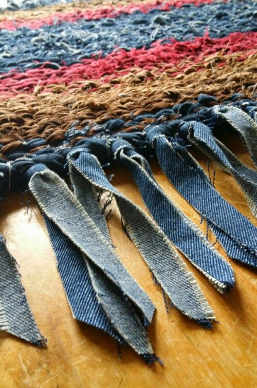 Rag Rug Made By Twining Various Shades Of Denim And Cotton Fabric With Denim Fringe Rag Rug Kids Clothes Diy Diy For Kids