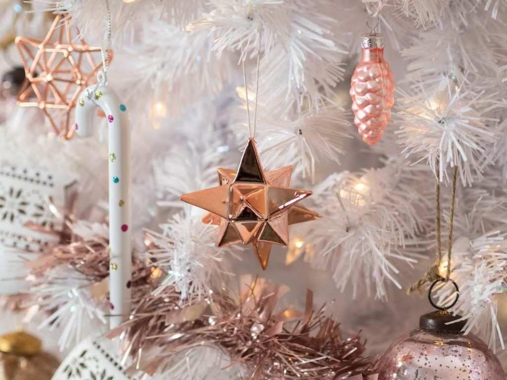 Rose Gold Elegant Christmas Wallpaper