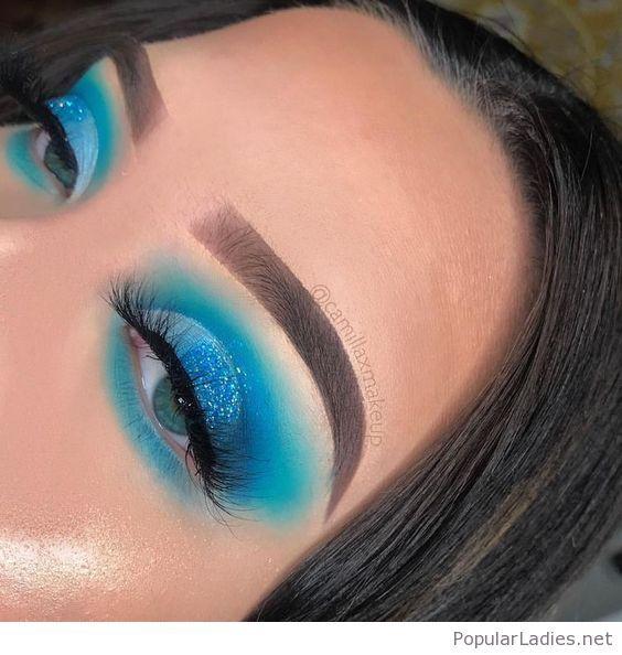 Amazing blue eye makeup for blue eyes