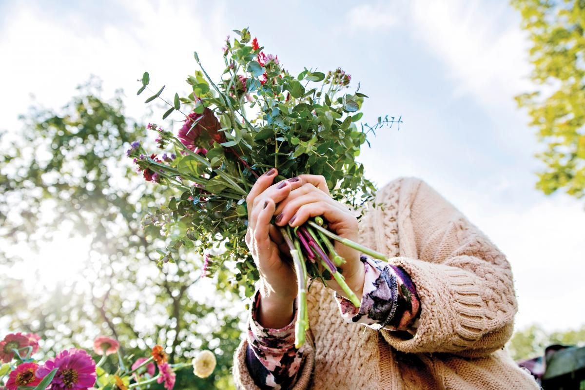 Flower Girls • Floral arrangements and wedding bouquets | Island Weddings